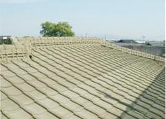屋根と外壁の洗浄(弊社は洗浄を入念にします)
