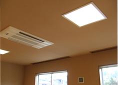 室内天井壁・珪藻土吹付け塗装