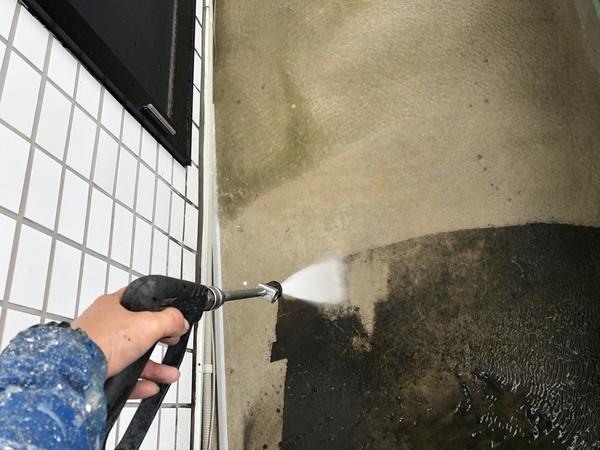 熊本建築会社ベランダ防水・土間、腰壁高圧洗浄工事