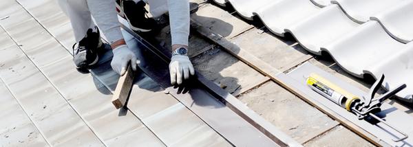 屋根の塗装が必要な時期は?
