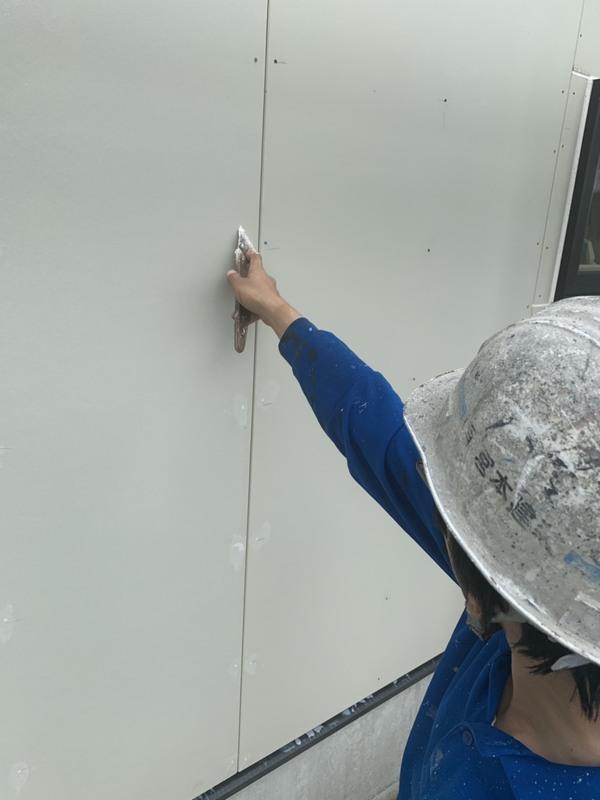 熊本内田町新築住宅・外壁吹付け塗装前、下地処理完了しました!