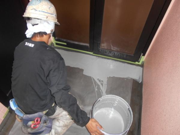 非常階段土間ウレタン防水工事 熊本地震災害による雨漏れ修繕