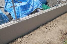 新築 塀塗装 目地残しスチップル工法塗装工事の施工前画像