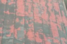 熊本市中央区 コロニアル(スレート)屋根、既存塗膜剥離後塗装の施工前画像