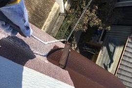 高所作業を足場無しでコストを下げ安全に施工(庇塗装(パラペット))の施工前画像