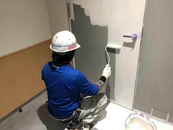 熊本中央区店舗・内部階段鉄骨塗装錆止め完了しました!!