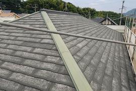 熊本市北区住宅 屋根老朽化対策塗装工事(厚膜下塗り材使用)の施工前画像