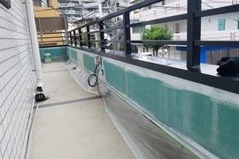 熊本市東区佐土原 店舗2階腰壁塗装工事(目地コーキング込み)の施工前画像