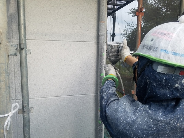 熊本県合志市幾久富住宅塗装・外壁吹き付け塗装工事(石材調仕上塗材)
