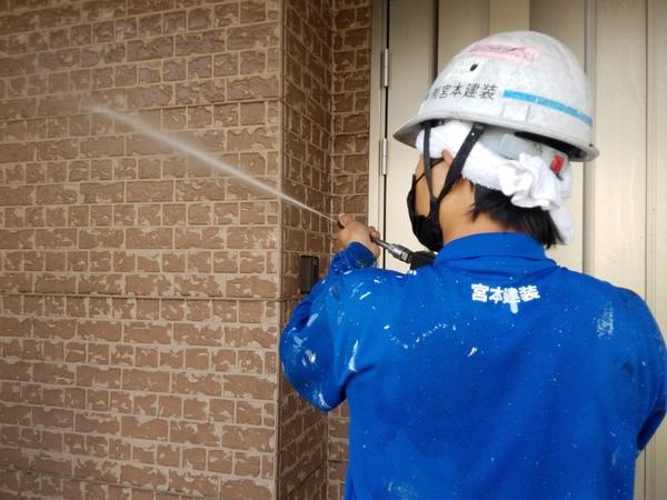熊本県合志市幾久富住宅塗装・外壁吹き付け塗装前高圧水洗浄工事
