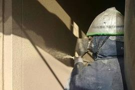 熊本県阿蘇市内牧にて弾性リシン吹付工事完了(新築)の施工前画像