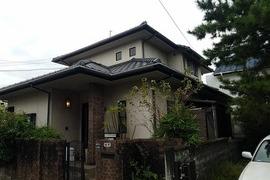 熊本市東区住宅モルタル外壁塗装工事・屋根は高圧洗浄洗いのみの施工前画像