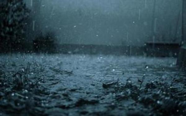 なんで雨降ってんの・。・。熊本・。・