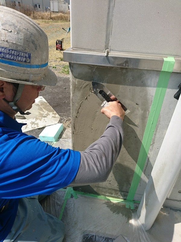 熊本県上益城郡益城町 店舗外壁左官補修後塗装工事