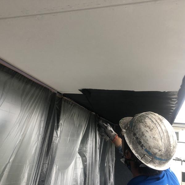 熊本市北区打越町・外壁塗装工事(軒天井上塗り)