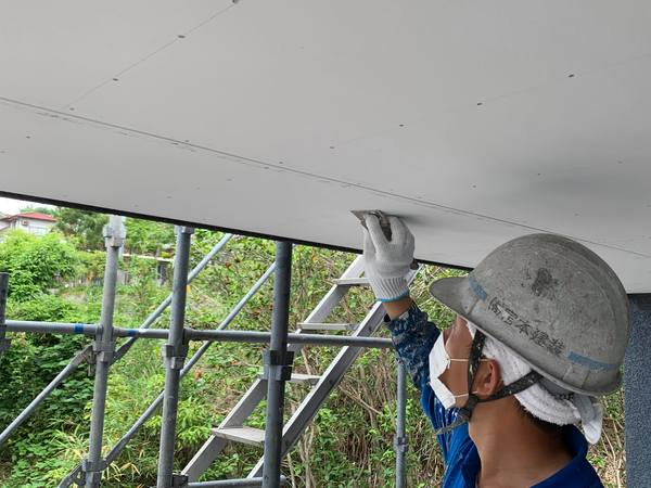 熊本市北区打越町・外壁塗装工事(軒天井塗装)