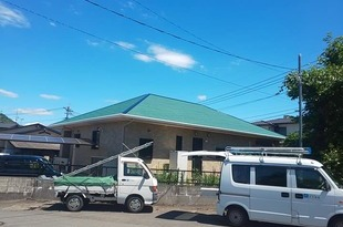 熊本県上益城郡 平屋大屋根ネフレッシユシリコンRC-142 フォレストグリーンにて屋根塗装工事の施工後画像