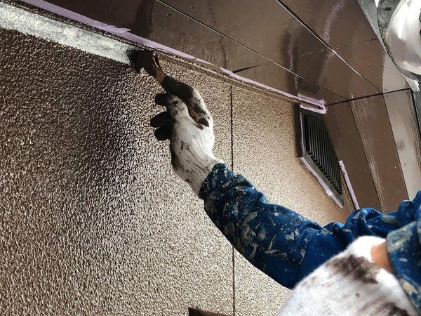 熊本市北区・外壁塗装・上塗り一回目(刷毛取り)