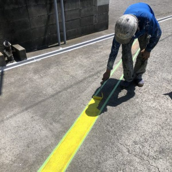 熊本県八代市・土間塗装(通路、横断塗装)