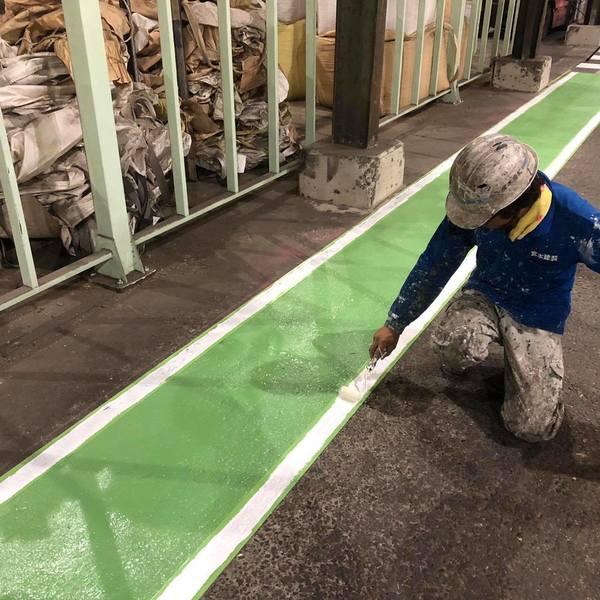 熊本県八代市・土間塗装(白線部上塗り)