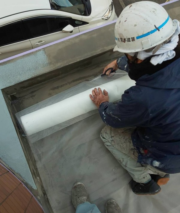 熊本市迎町 屋上防水工事 メッシュ貼り及びウレタン流し