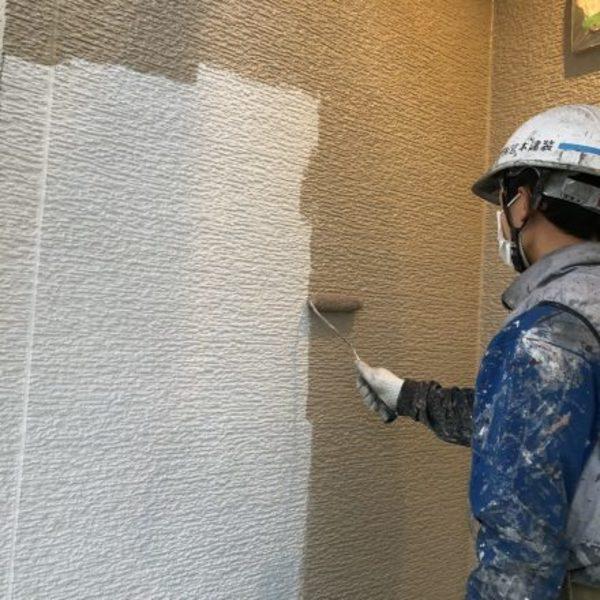 熊本県合志市・外壁塗装(中塗り・水性シリコン)