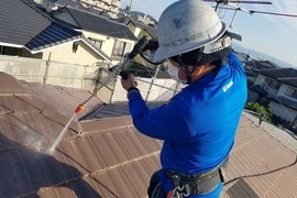 熊本県熊本市東区健軍 屋根塗装 今回の下塗り厚膜タイプのウルトラルーフプライマー を使用!の施工前画像