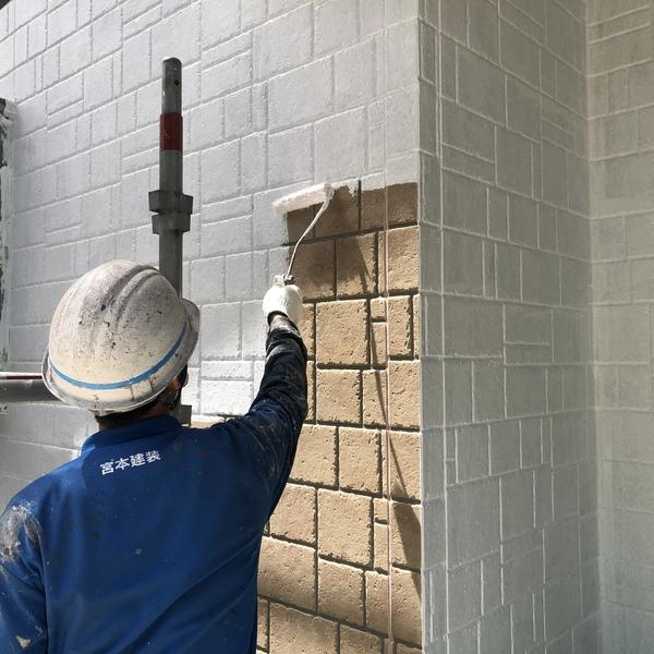 熊本県菊陽町・外壁塗装(下塗り、微弾性サーフ使用)