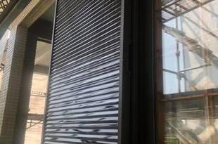 熊本県宇城市三角町 外壁塗装に伴う追加工事 雨戸塗装(錆止め込み)の施工後画像