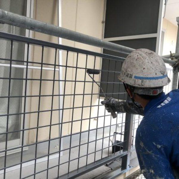 熊本市東区健軍・廊下、ベランダ手摺り上塗り(弱溶剤2液型シリコン使用!)