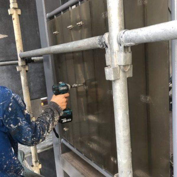 熊本市東区健軍・鉄骨塗装(目隠しパネル取付け完了)