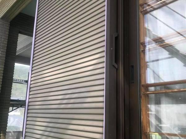 熊本県宇城市三角町 外壁塗装に伴う追加工事 雨戸塗装(錆止め込み)