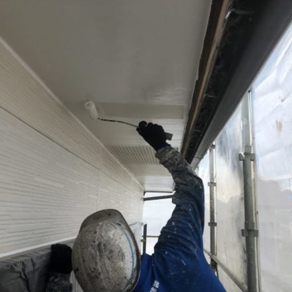 熊本市北区植木・外壁塗装(2F養生、軒天井塗装完了!)