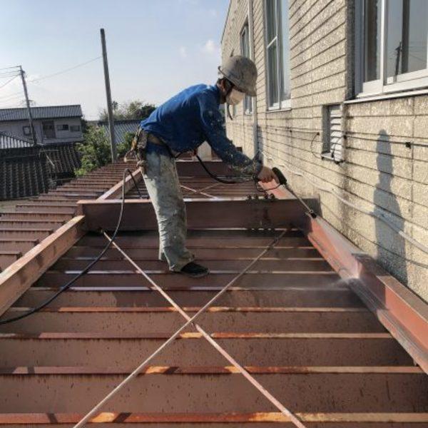 熊本県天草市・折板屋根洗浄及び屋上既存シート撤収工事