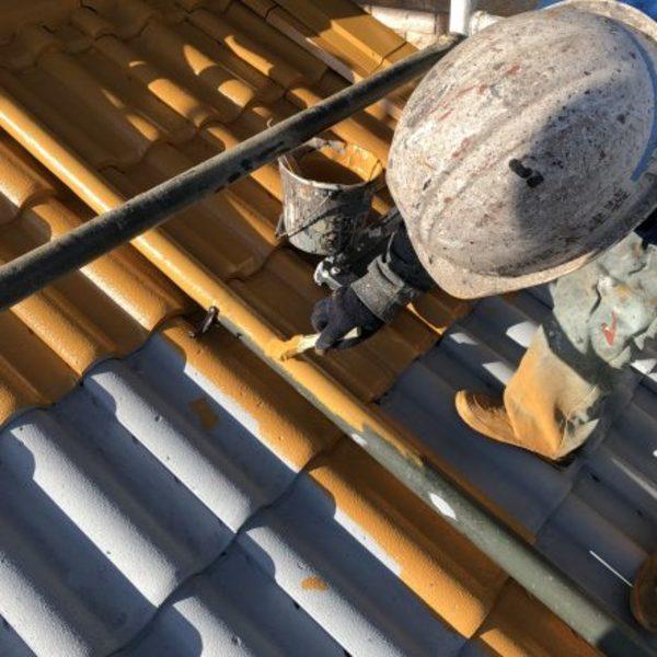 熊本市北区植木・下屋根中塗り水性シリコン中塗り完了!