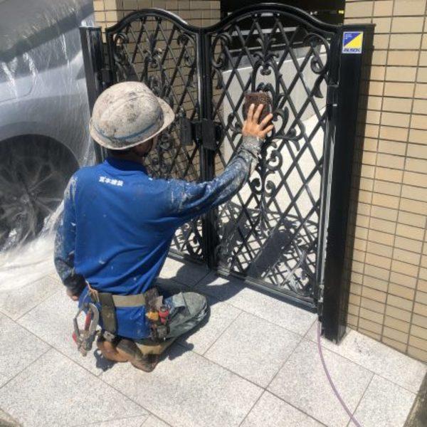 熊本市北区植木・門扉ケレン、錆止め塗装
